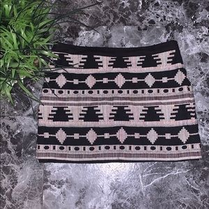 Under Skies sz large, lined fabric mini skirt